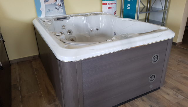kims-gmbh-hydropool-self-cleaning-selbst-reinigend-whirlpool-swimspa-395-Gold